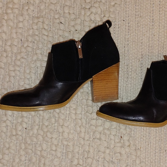 Marc Fisher Shoes - Marc Fisher Block Heel Ankle Books